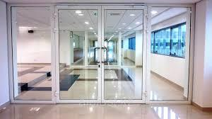 маятниковые двери - алюминиевые