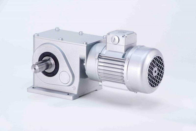 SN19 - Two-stage gear drive with solid shaft