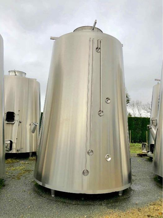 Tanque de aço inoxidável 304L - 172 HL - Cone isolado truncado - Circuito compartimentado e de concha