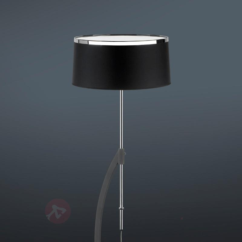 Lampadaire VIRGINIA avec abat-jour en coton - Lampadaires design