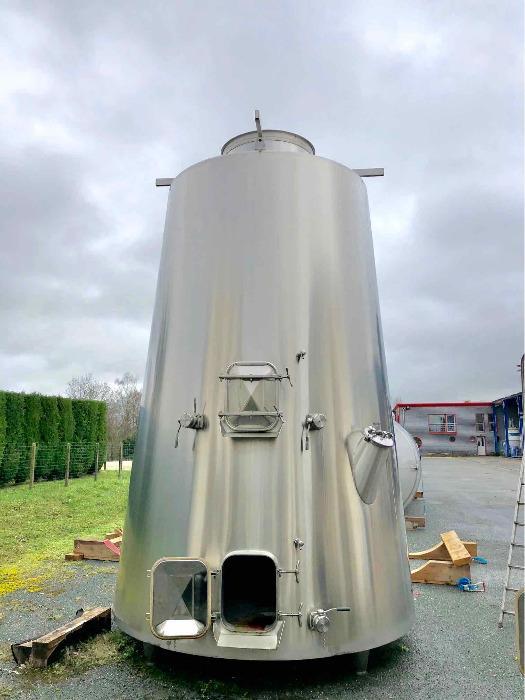 Tanque de aço inoxidável 304L - 149 HL - Cone isolado truncado - Circuito compartimentado e de concha