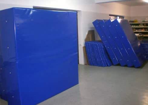 Custom-made mats - Custom made mats made of tarpaulin. Wide range of possibilities.