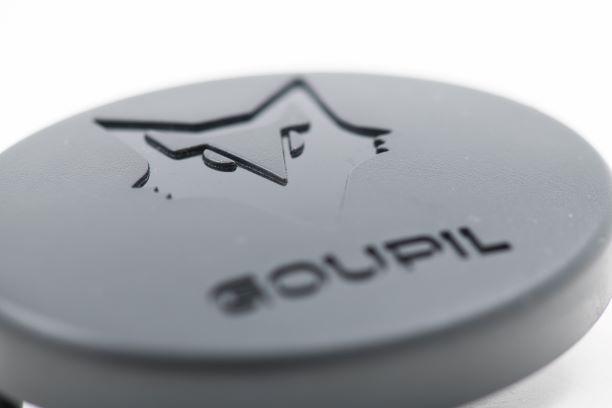 Eingespritzte Kunststoff-Logos -