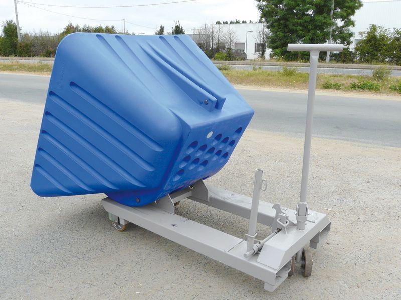 Benne automatique en polyéthylène - Bennes basculantes