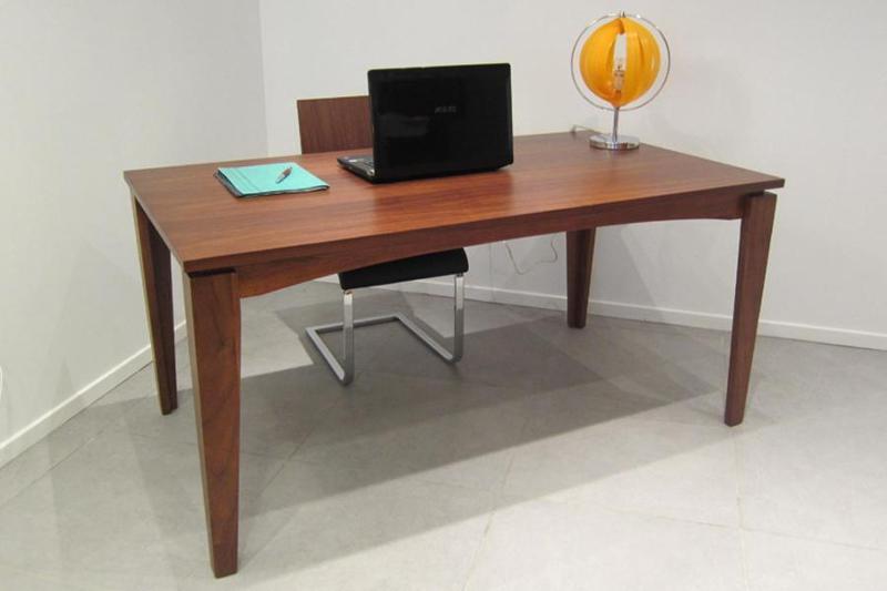 Table à manger rectangulaire en bois 389 € - DANUBE