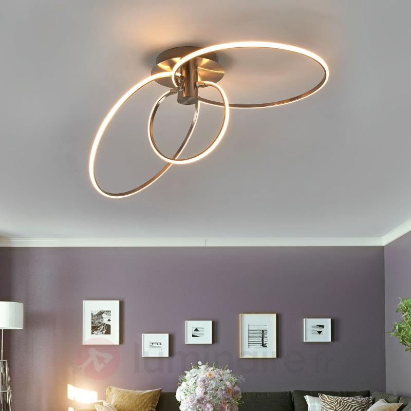Plafonnier LED Antoni avec trois anneaux lumineux - Plafonniers LED