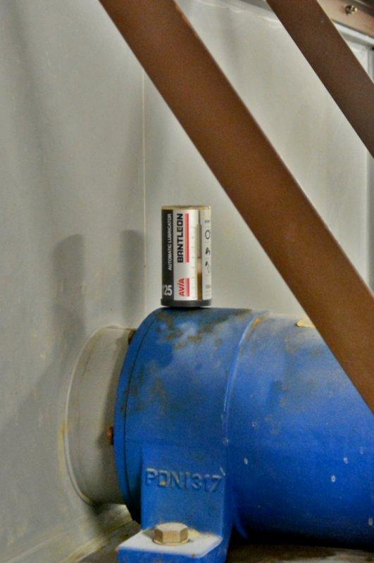 BANTLEON lubricator - Bantleon Lubricator is an automatic insert point long term dispenser.