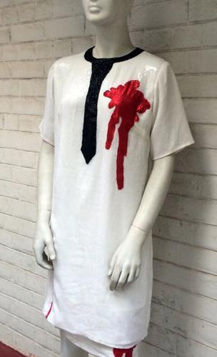 Robe brodée de sequin blancs et rouges -