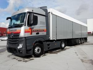 TRACTEUR + FOND MOUVANT - Services Logistiques