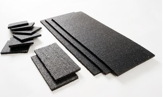 Rubber zekering matten, rollen en stroken vrachtwagen - Gecertificeerde ladingzekering anti-slip rubber die lading en mens beschermen.