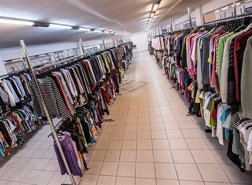 Ρούχα με το κιλό Χονδρική - Ρούχα ανά δέμα · Ρούχα ανά τεμάχιο · Υψηλή  Ποιότητα ... 2ed6d9bc5a5