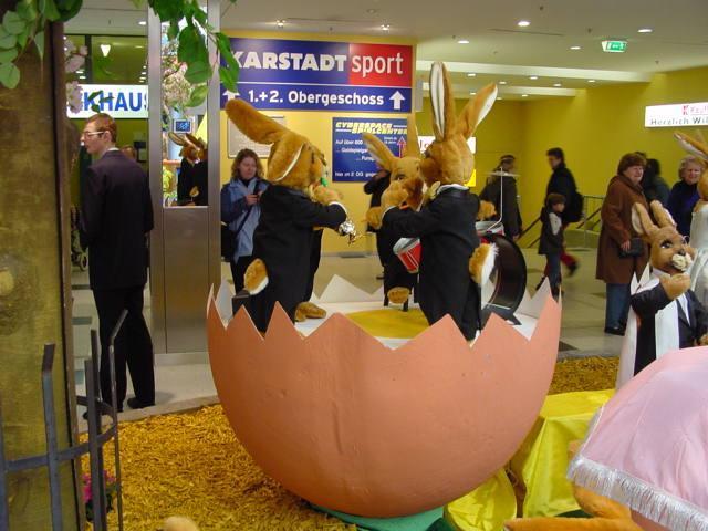 Hasenorchester auf der Dotterbühne - Eierhälfte Teil 1 - null