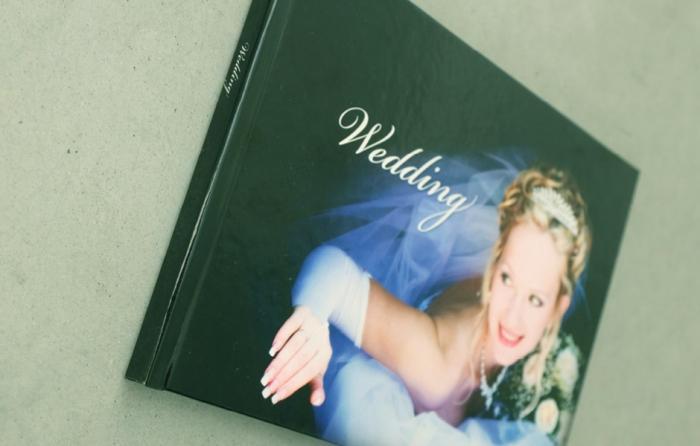 Couverture cartonnée (BD) - brochure dos carre colle mat brillant