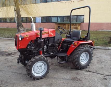 Трактор Беларус-211