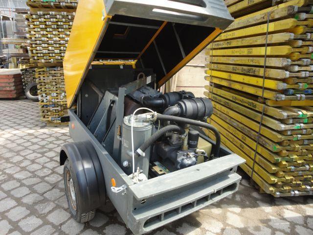 Krane/Baumaschinen - Übersicht