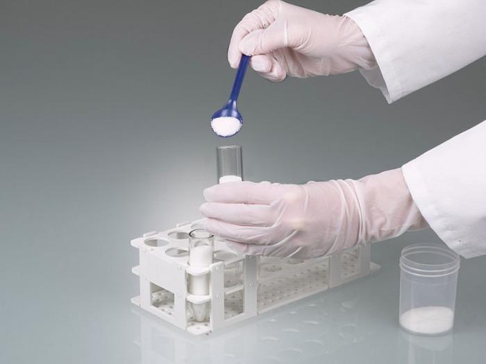 Cuchara detectable, azul - Visible a los detectores de metales o a los rayos X