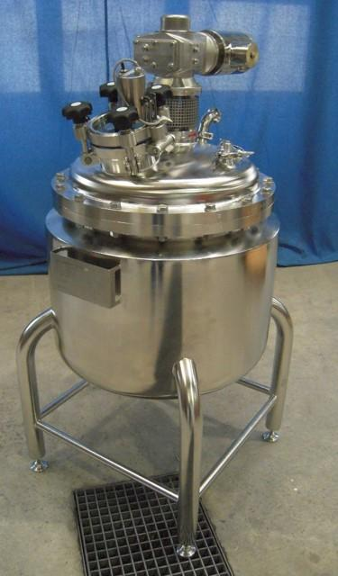 Stirrer container made of stainless steel - Plants, apparatus, pressure vessels construction for global use