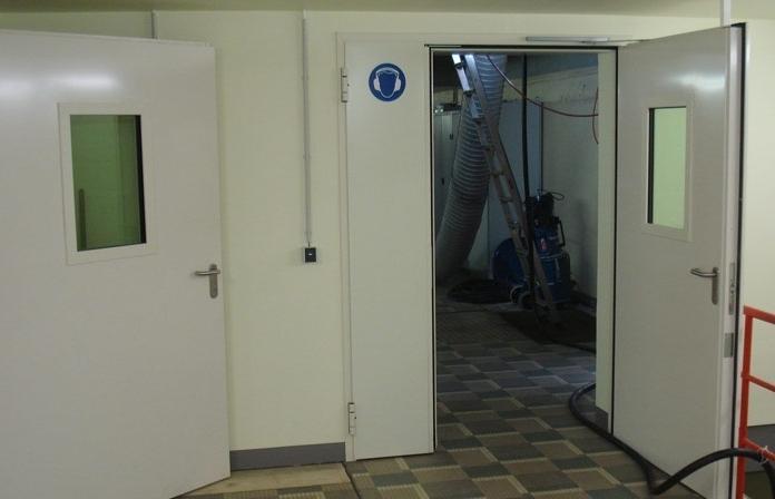 Compartimentage CF et acoustique avec 2 portes avec oculus - null
