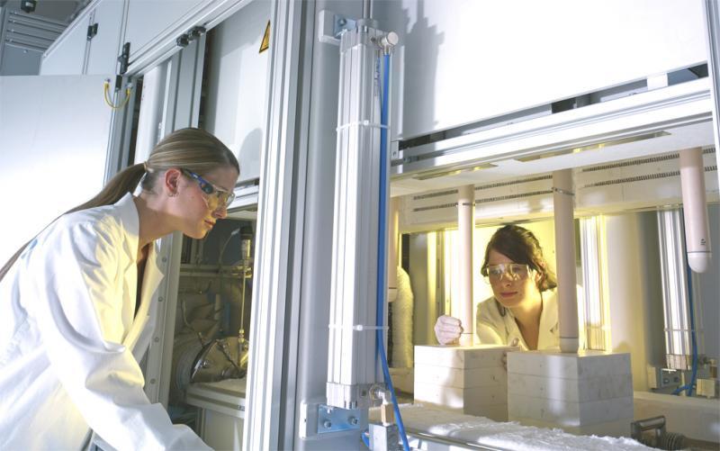 Fügestationen für SOFC-Brennstoffzellen - Sinter- und Fügestation für SOFC-Brennstoffzellen