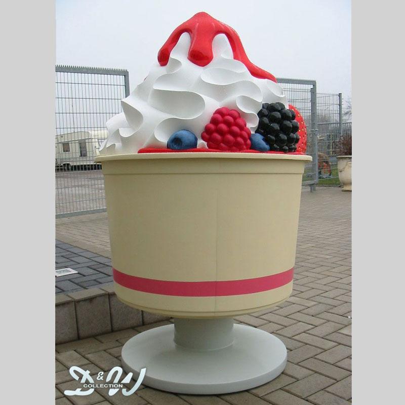Frozen Yogurt Becher mit Früchten und Soße [PD-10710]