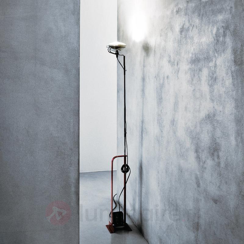 Lampadaire design industriel TOIO by FLOS - Lampadaires design