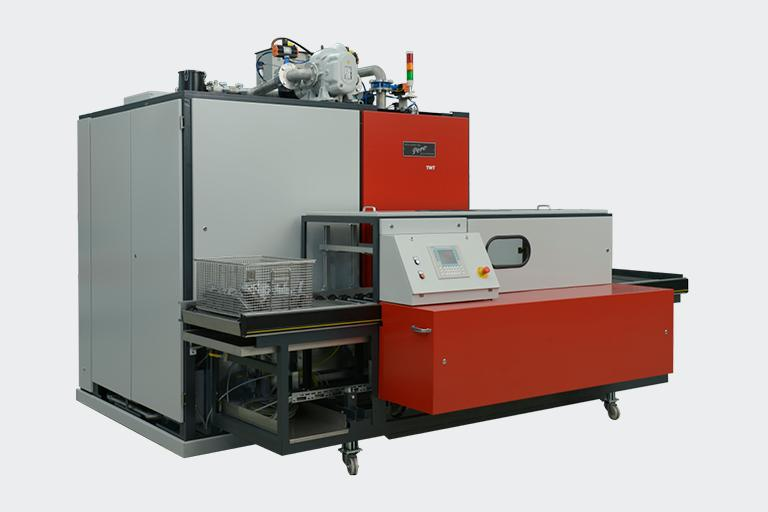 Twt Dip And Spray Cleaning With Vacuum Drying -