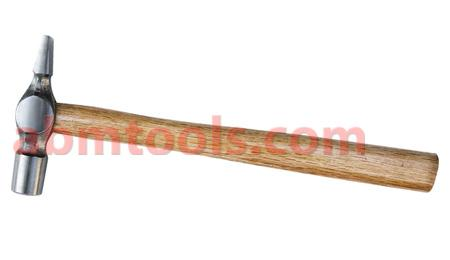 Cross Pein Hammers - Blade-like peen at right angles to the haft, used by carpenters.