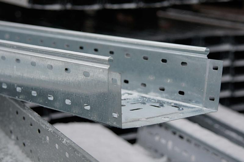 Металлические лотки и аксессуары собственного производства - собственное производство, оцинкованный, ширина от 50 до 500 мм