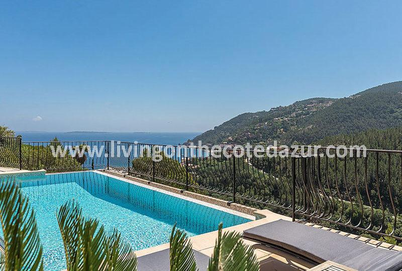 Lovely holiday villa with pool in Theoule sur Mer - Real Estate