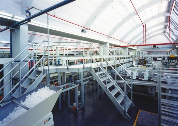 ITAS – système d´escaliers et plateformes industriel - Raccordement de tubes extrêmement simple sans transitions gênantes