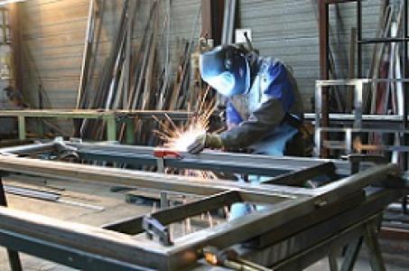 Kucie i spawanie lekkich konstrukcji i elementów stalowych