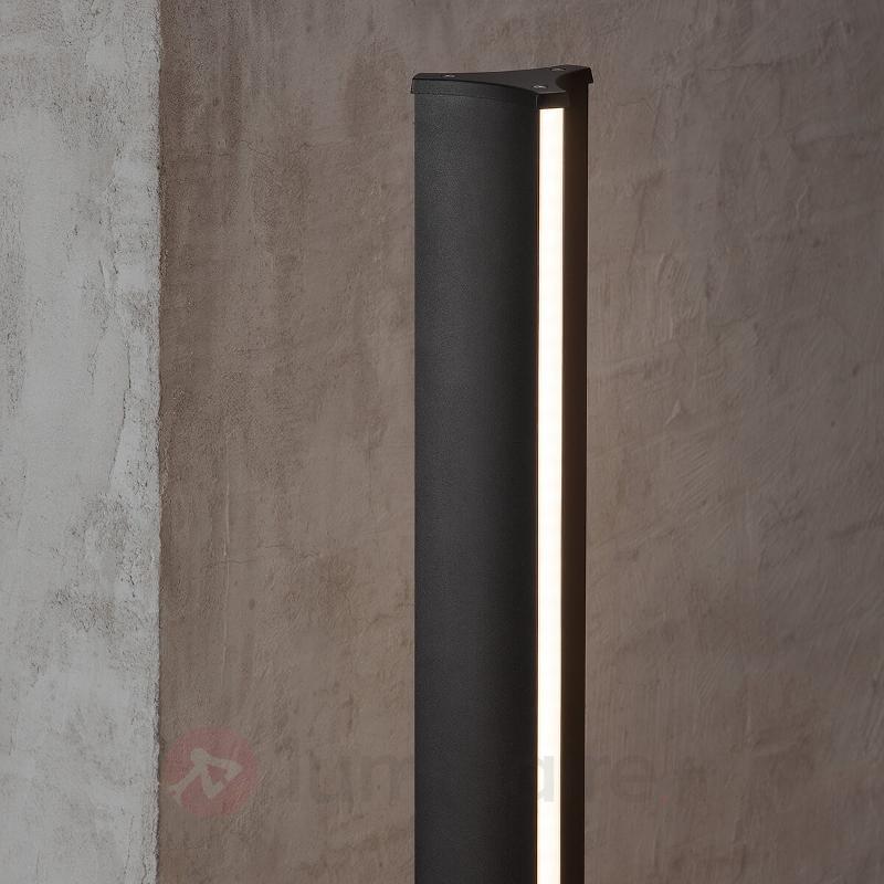 Borne lumineuse noire Titus avec jeu de lumière - Bornes lumineuses LED