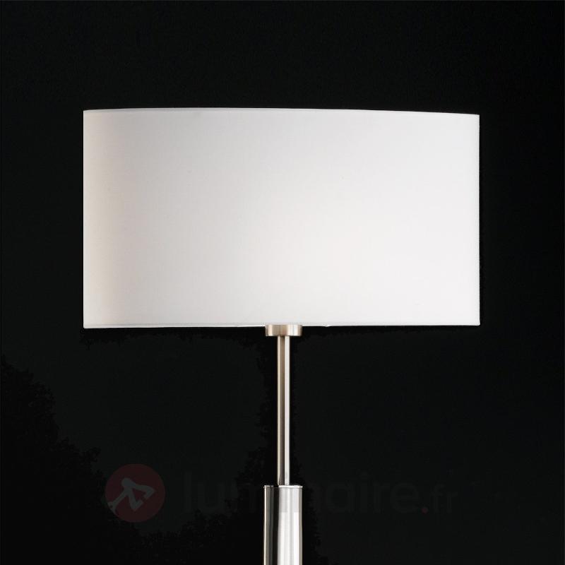 Lampadaire oval Finn avec abat-jour blanc - Lampadaires en tissu