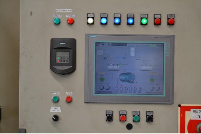 Automação de Processos Industriais - Controlo de processos para o sector da química/alimentação