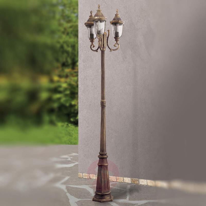 Traditional three-bulb post light Paula - Pole Lights