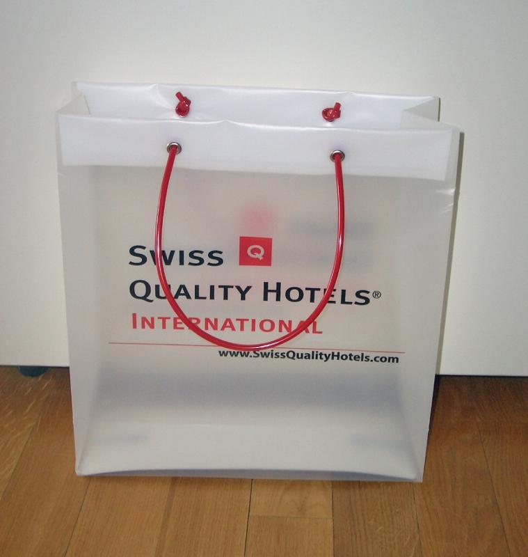 Exklusive Kunststoff-Taschen - null