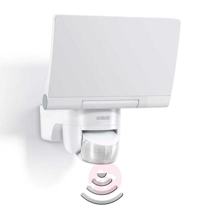 XLED Home 2 LED outdoor wall light in white - outdoor-led-lights