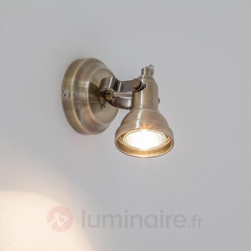 Spot mural LED Perseas, laiton vieilli - Appliques LED