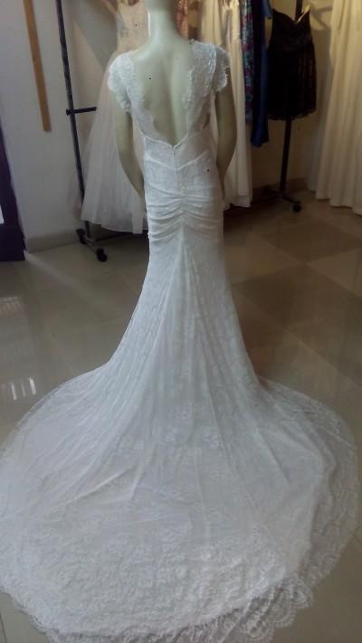 Robe de mariée  - Robe en dentelle dos ouvert