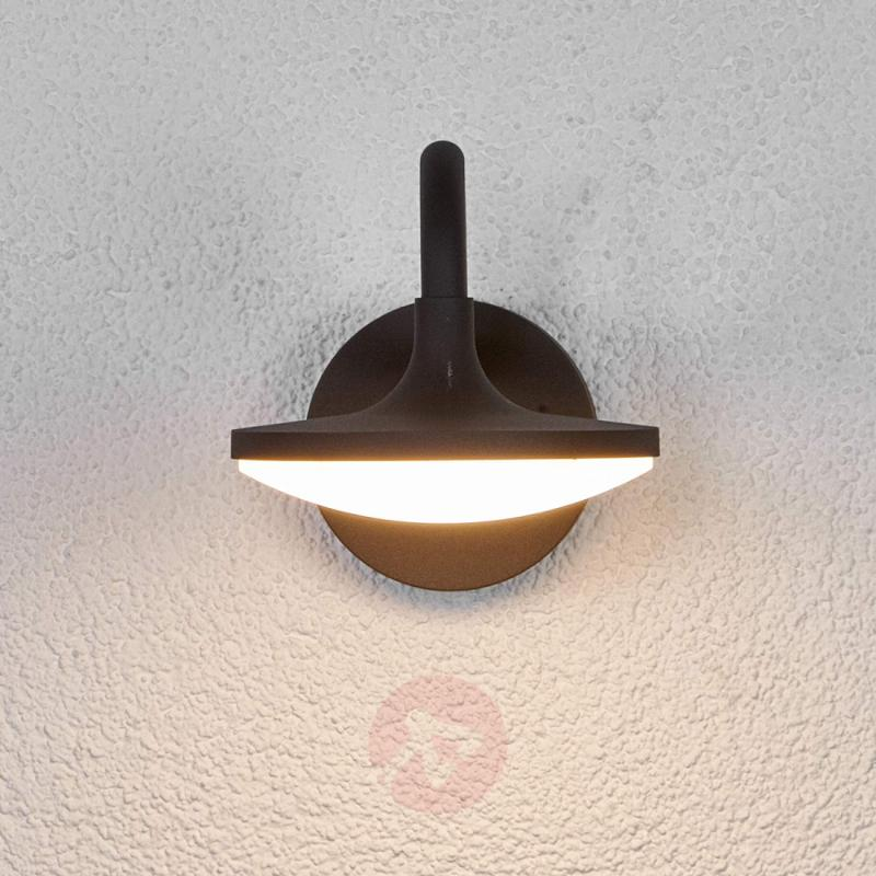 Curved Finny LED outdoor wall light - outdoor-led-lights