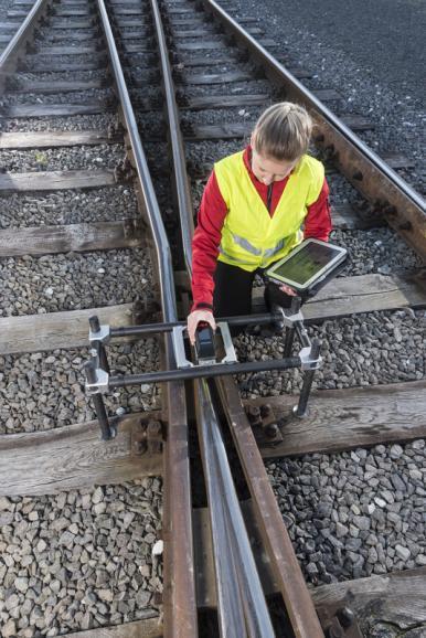 Moyen de mesure de voie et d'aiguillage CALIPRI C42 - Système optique de mesure de profil pour rails, aiguillages et voies ferrées