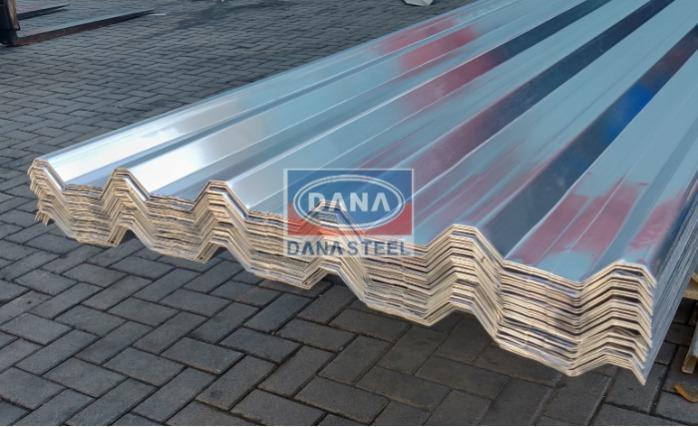 Tôle de toiture en acier Ppgi tuile de fer métallique - Toiture En Métal Revêtu de Couleur ondulée Feuilles murales avec enduit de zinc