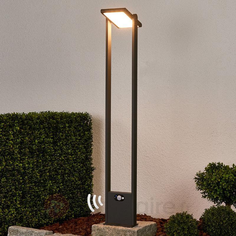 Borne lumineuse solaire Valerian avec LED - Lampes solaires avec détecteur