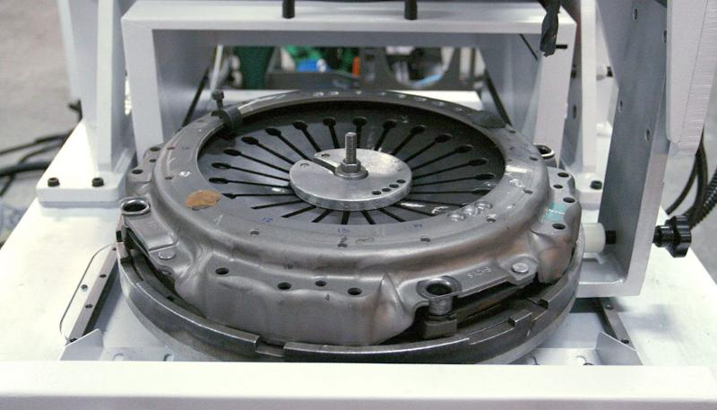 BALANCERS FOR CLUTCHES - AUTOMOTIVE INDUSTRY BALANCERS