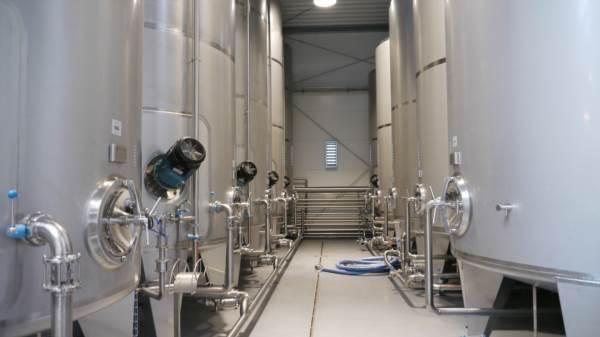 Zbiorniki depektynizacyjne ze stali nierdzewnej - zbiornik kwasoodporne wyposażone w mieszadła