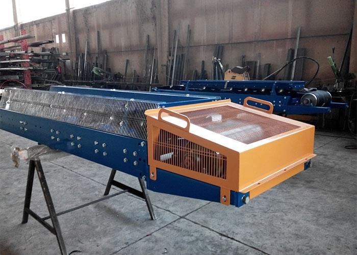 Conveyor belts - METAL PLATE CONVEYORS