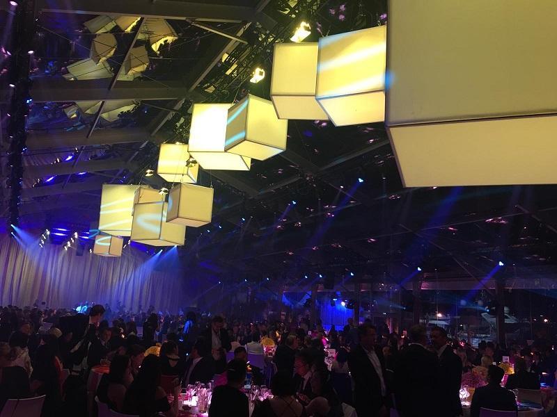 Cubos de luz - Si quieres darle color y luminosidad a tu evento, nuestras cajas de luz son el e