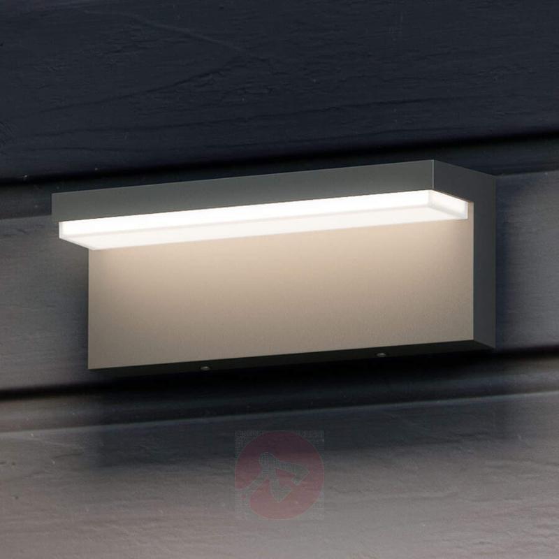Angular LED outdoor wall light Bustan - outdoor-led-lights