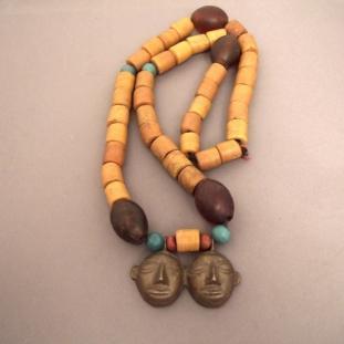 Colliers - Perles de céramique,pâte de verre, bronze, Inde