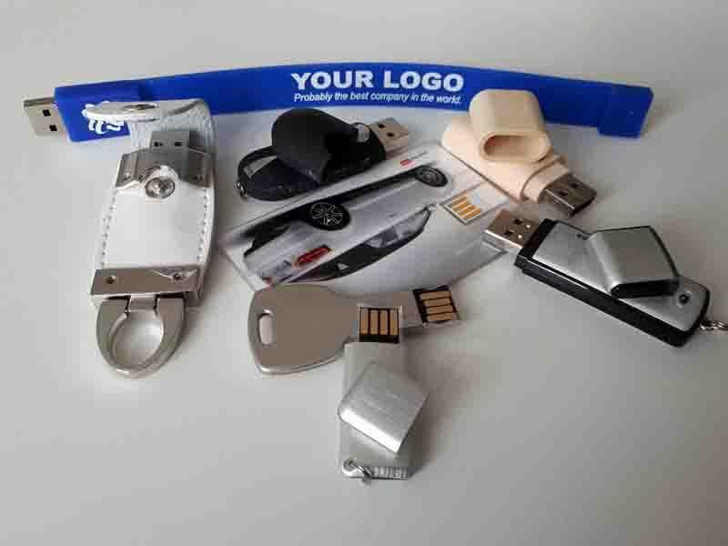 Pamięci USB / Kartonowe opakowania do USB -